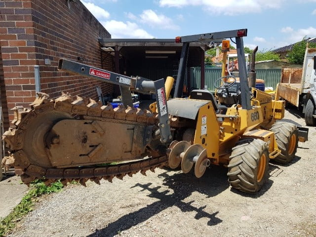 earthmoving tractors 14